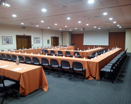 Farnese Meeting Room - Double U-Shape